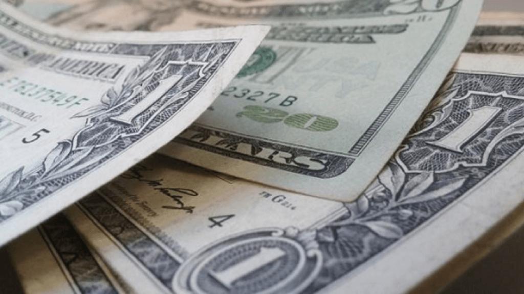Dólar tem forte queda ante real de olho em PEC Emergencial; XP altera projeções