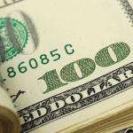 Dólar inicia ano em forte alta e fecha a R$5,26; oscilações são constantes no dia