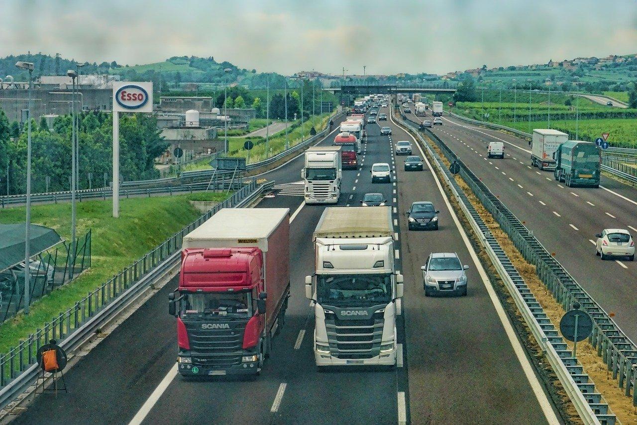 Financiamentos de veículos somam 503,6 mil unidades em agosto, redução de 5,4%