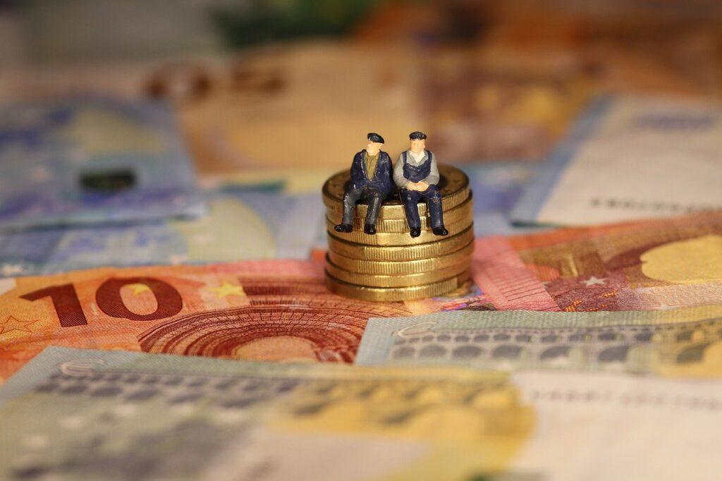 Plano de previdência privada serve para aposentadoria e investimento; saiba escolher