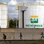 Petrobras (PETR4) reduz processamento em refinarias a menos de 70%