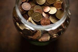 Brasileiros mantém R$ 1 tri na poupança e economista destrincha a aplicação