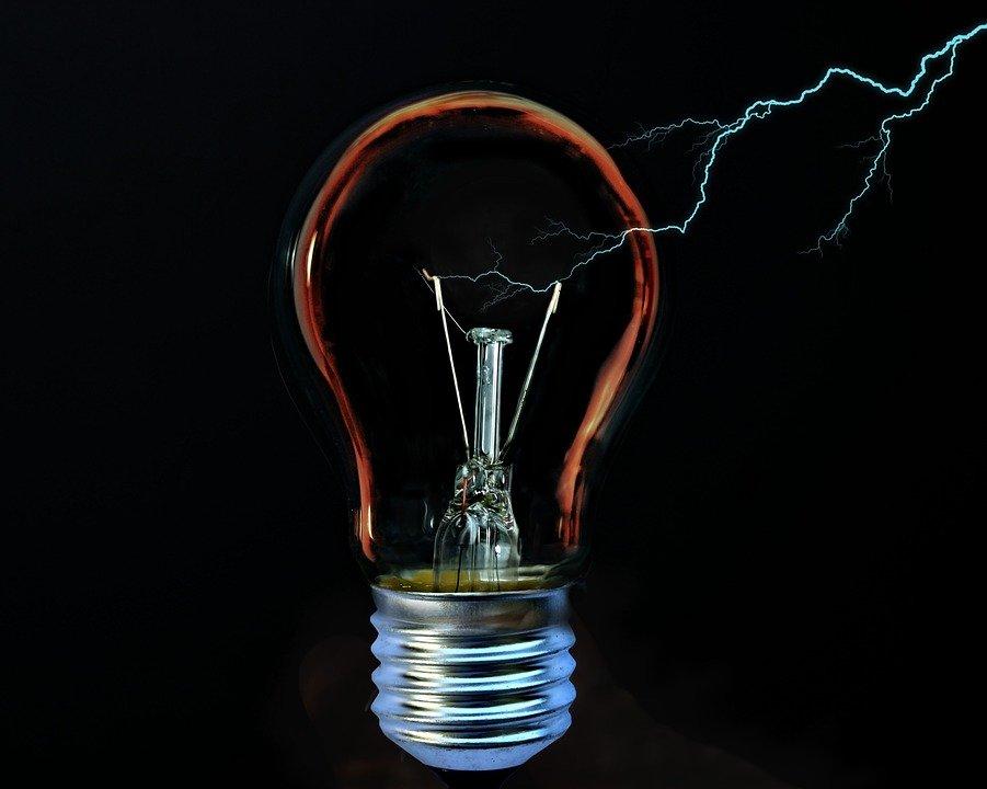 Leilão de transmissão de energia é arrematado por Neoenergia, Cteep, Energisa e Mez
