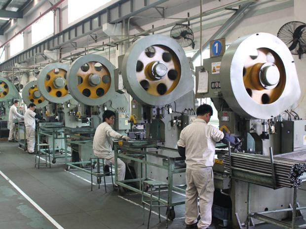 China diz que sua economia cresceu 2,3% em 2020, mas o consumo caiu