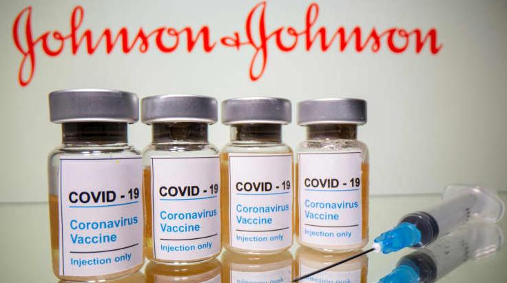 Principal economista do FMI diz que vacinas são 'principal arma' para recuperação econômica