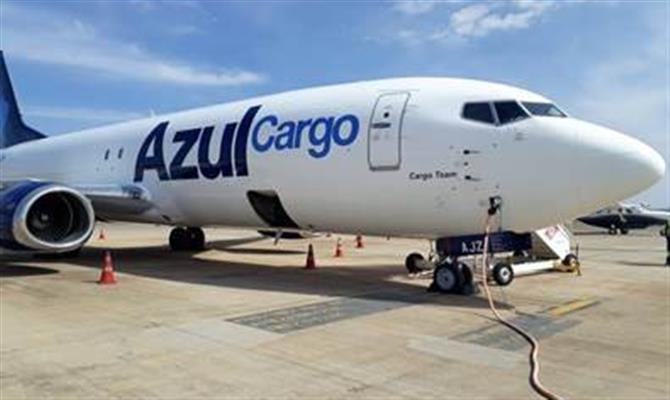 Azul (AZUL4) reporta alta de 64% na receita da Azul Cargo
