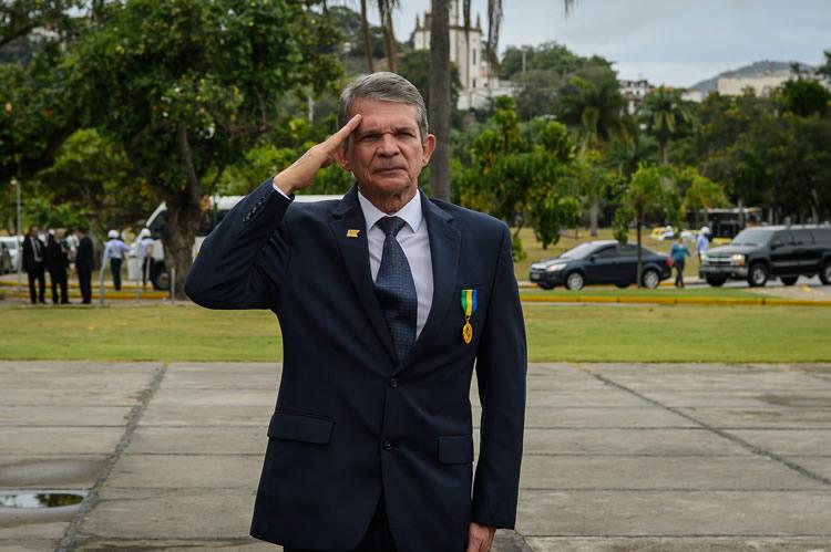 Petrobras (PETR4) pode ter novo presidente indicado por Bolsonaro; general deve responder em breve