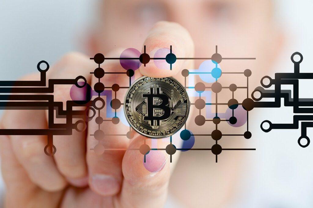Adoção de criptomoedas pelo mercado depende de economia forte, diz especialista