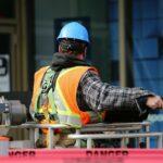 PMI: expansão da indústria tem mínima em 9 meses em março após baque por pandemia