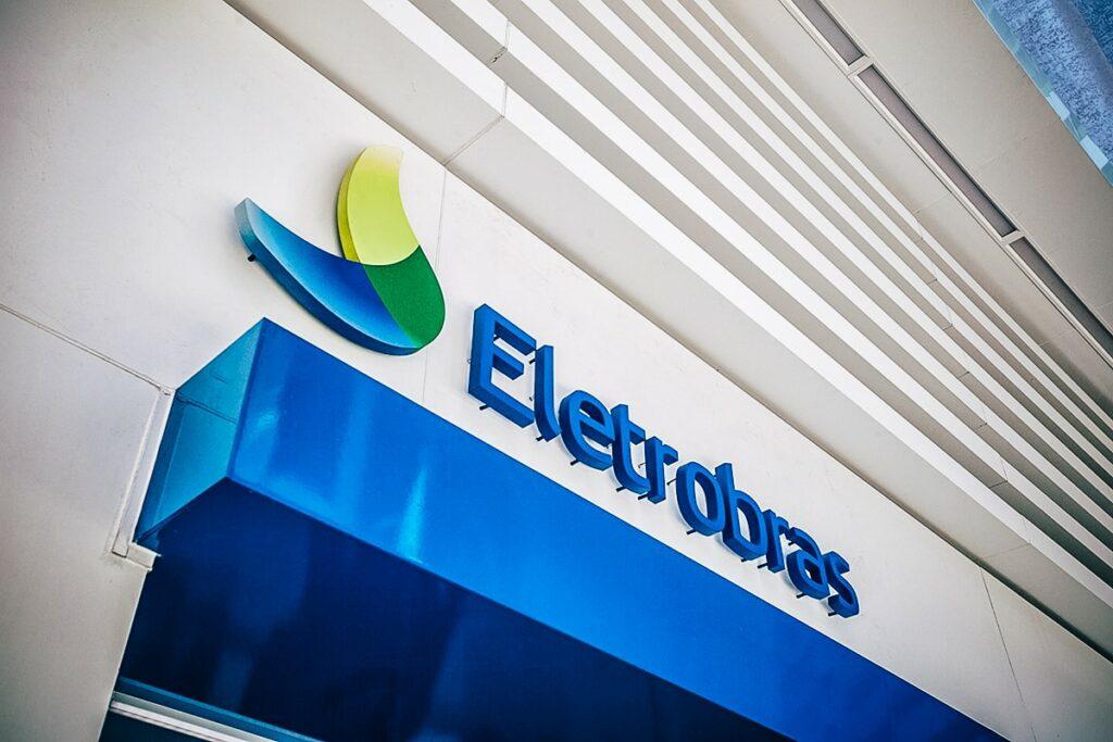 Eletrobras (ELET6): Bolsonaro avalia nomes para presidência da estatal, diz ministro