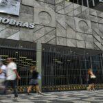 Petrobras (PETR4) altera escala de embarques por conta do avanço da Covid-19