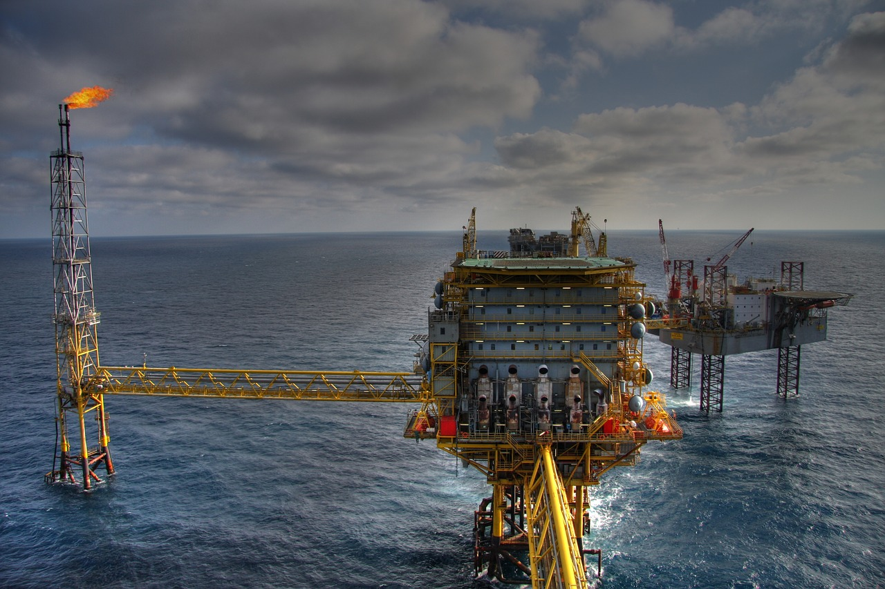 Dommo (DMMO3) produz 44.548 barris de petróleo no Campo de Tubarão Martelo em março